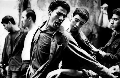Fotograma de La Bataille d'Alger, de Gillio Pontecorvo (1971).