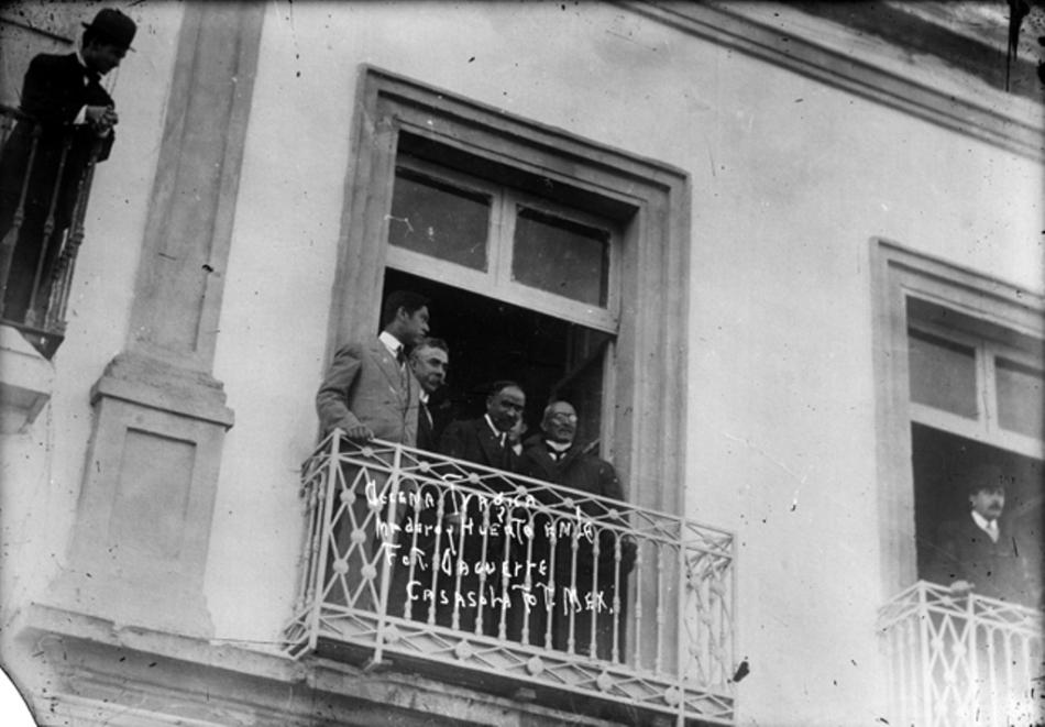 Victoriano Huerta al lado de Francisco Madero, 9 de febrero, 1913