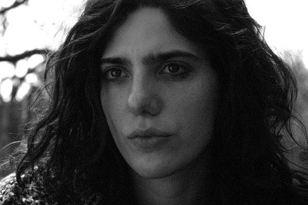 Analía Couceyro es Sofía.