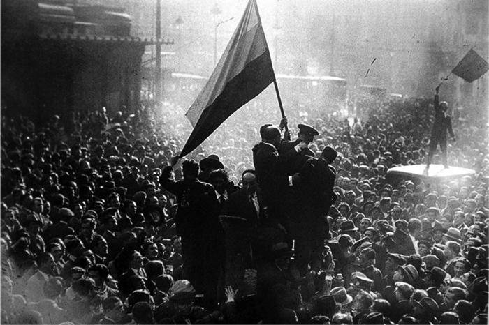 La puerta del Sol, en Madrid, el 14 de abril, 1931