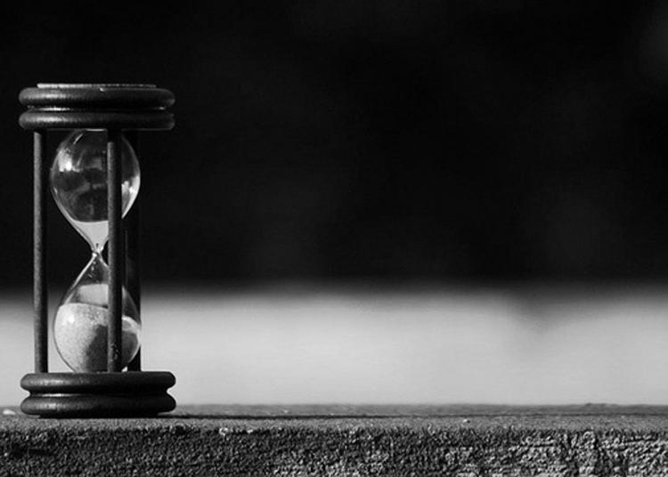 Reloj de arena el presente del pasado 2 0 for Fotos de reloj de arena