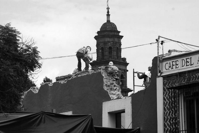Obras para el teleférico de Puebla. (Foto: El Heraldo de Puebla.)