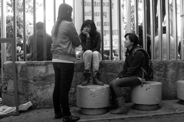Estudiantes del CCH Atcapotzalco de la UNAM en 2012. (Foto: Francisco Rodríguez, Cuartoscuro.com.)
