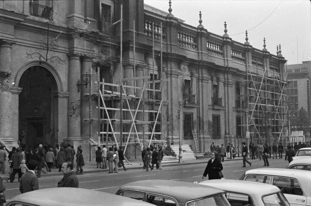 """Estragos en La Moneda [1973]""  (Foto: santiagonostalgico)"