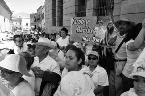 Rigidez e inmovilidad de tintes religiosos en la sociedad mexicana.