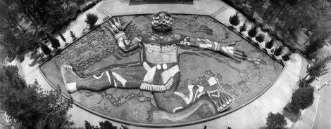 La fuente de Tláloc en Chapultepec, edificada en uno de los puntos del sistema Lerma, y decorada por Diego Rivera.