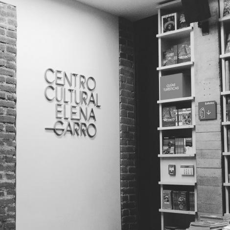 Una librería que nadie pidió, que pocos visitan, con un costo de 130 millones de pesos en un barrio que precisa de inversiones menores para atender problemas mayores: gobiernos ineficientes.