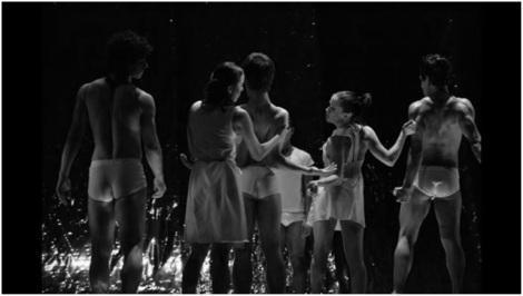 Pliegues. Antares, Danza Contemporánea. Foto: Rodolfo Nevárez.