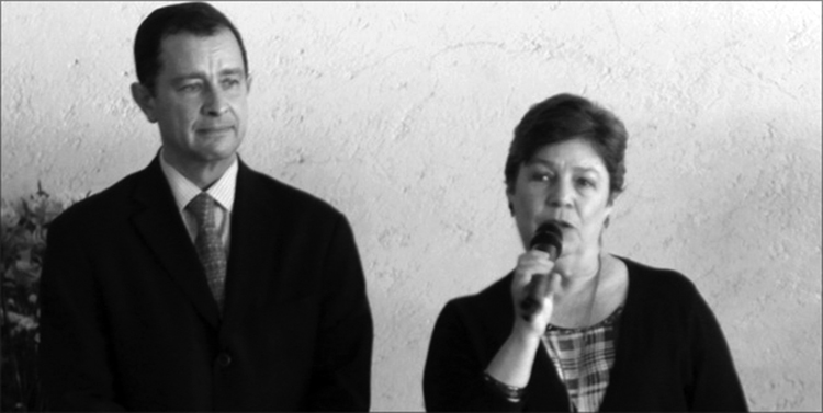 Los responsables: Ignacio Villagordoa, director general de Materiales Educativos, y Alba Martínez Olivé, subsecretaria de Educación Básica.
