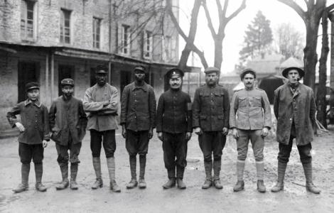 Soldados aliados, presos en  Alemania, ca. 1918. (Foto: historicaltimes.tumblr.com)