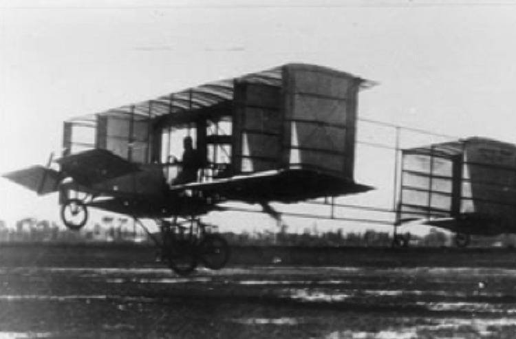 Otro avioncito fundacional: el del Alberto Braniff. (Foto tomada de www.sedena.gob.mx)
