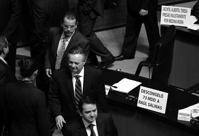 Eduardo Medina Mora, luego de ser elegido ministro de la Suprema Corte de Justicia de la Nación. (Foto: Reforma.)