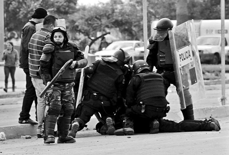Represión contra los jornaleros de San Quinín. (Foto: Reforma.)
