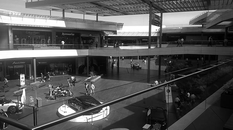 Comercio sin peatones. (Foto: Bernardo Ibarrola.)