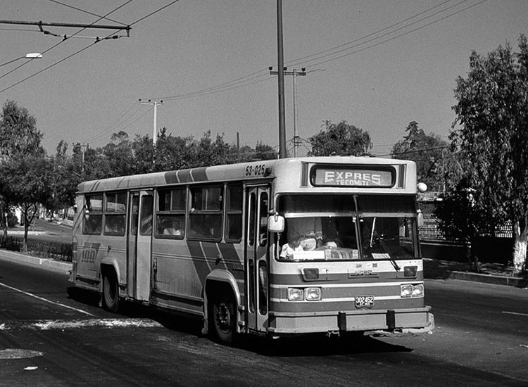 Hace veinte años, en Tlahuac: otra forma de transportarse