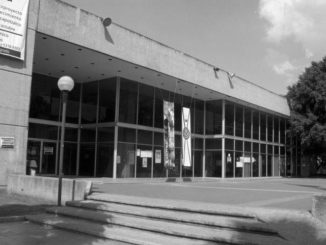 Imagen de la biblioteca de la UAM, Azcapotzcalo (Foto: Luis Corona, www.panoramio.com)