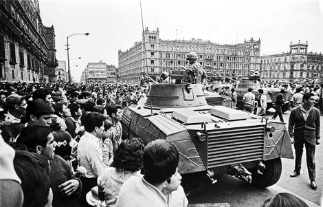 El ejército en el Zócalo, el 28 de agosto, 1968.