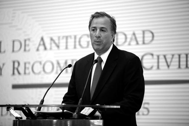 El secretario de Desarrollo Social. (Foto: Luis Cortés-El Universal.)